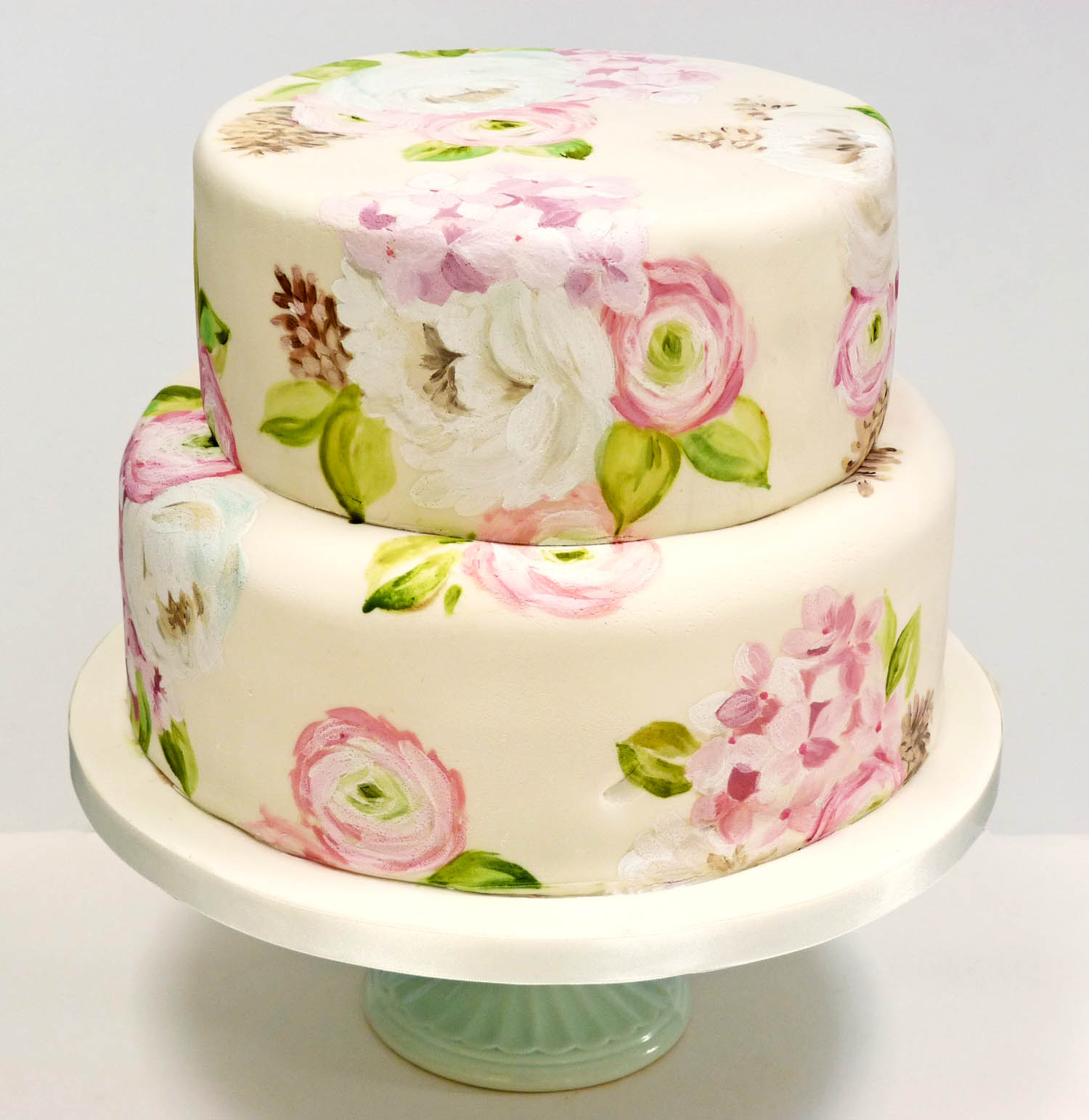 Nevie_pie_cakes_Floral-wedding-cake-Herfodshire