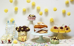 Nevie_pie_cakes_bee-dessert-table-Hertfordshire