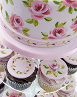 Nevie_pie_cakes_vintage-rose-wedding-cupcakes