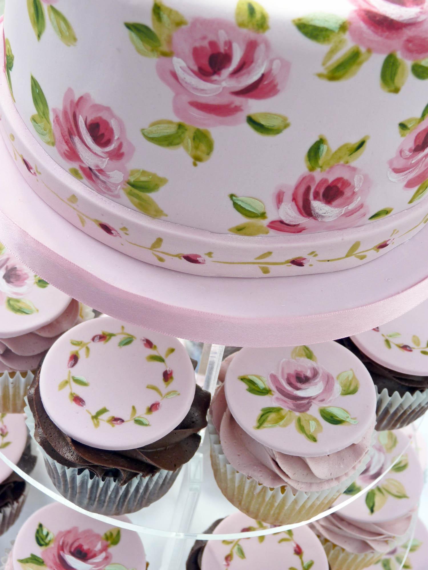 Vintage Wedding Cupcakes Vintage rose wedding cupcakes