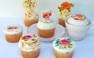 Nevie_pie_cupcakes_vintage-tea-set-cupcakes-Hertfordshire